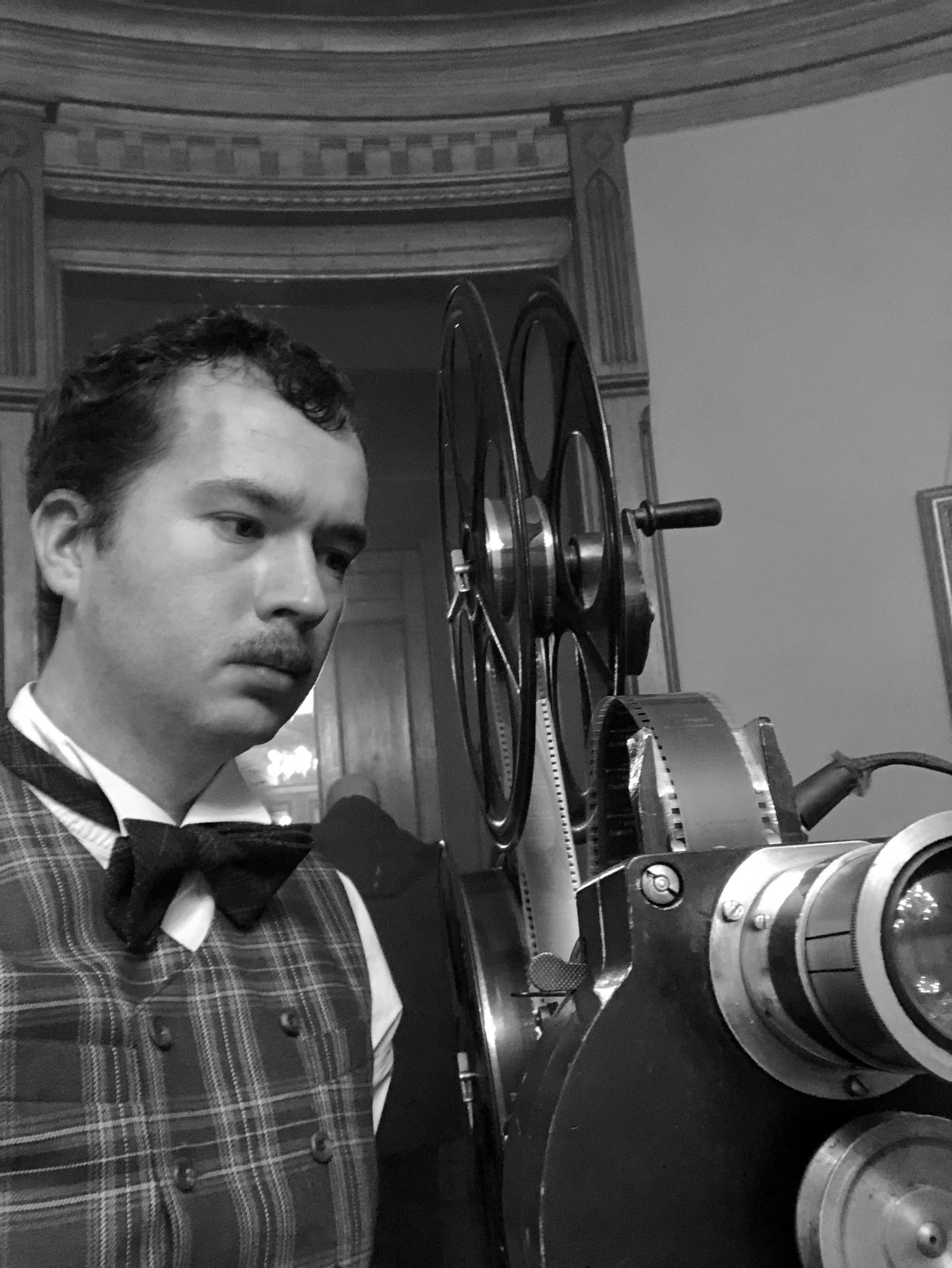 Кинопроектор ГОЗ и киномеханик