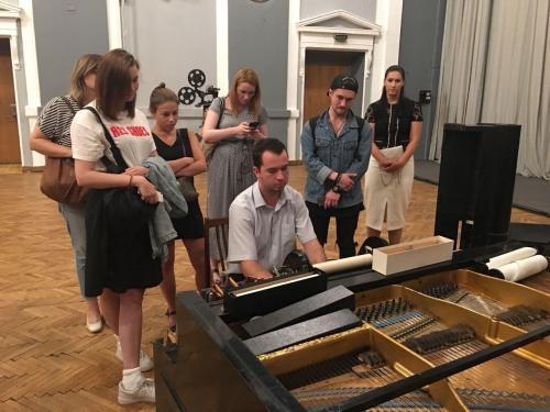 Демонстрация пианолы